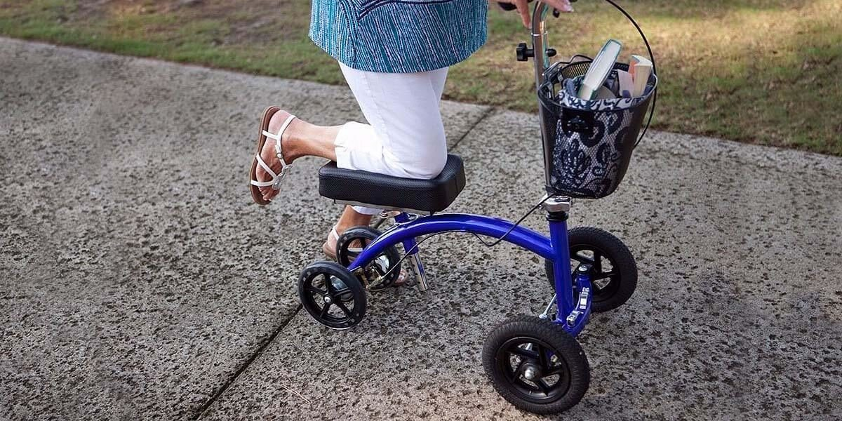 when to use a knee scooter for seniors
